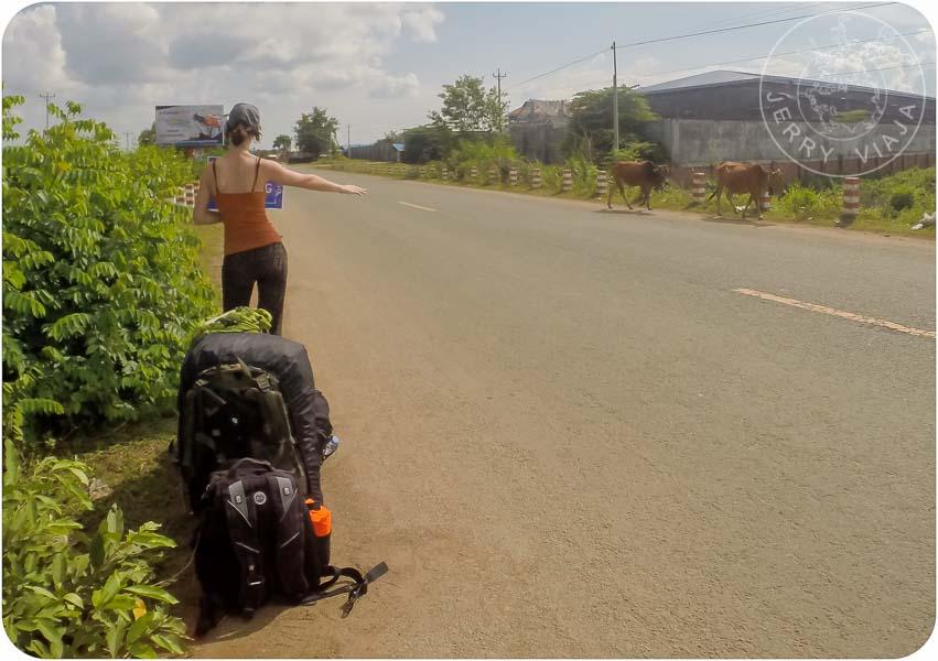 Haciendo dedo camino a la frontera con Laos.