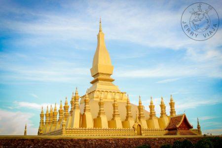 Gastos en Laos. Templo de Pha That Luang en Vientian