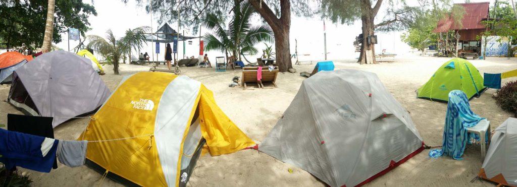 Tiendas en la isla de Kapas.