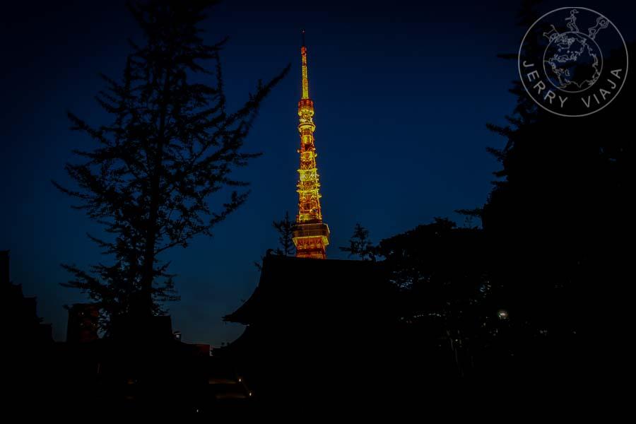 Torre de tokio a la noche