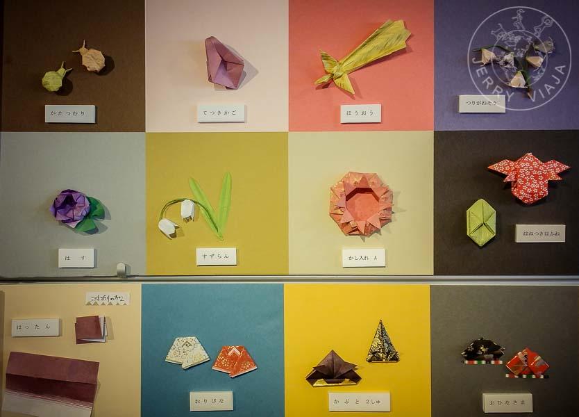 Figuras de papel en el museo del origami.