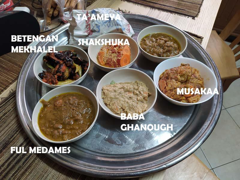 Taameya, betengan mekhalel, baba ghanough, ful medames, musakaa, shakshuka.