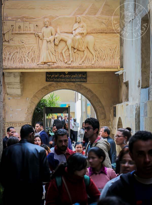 Entrada a la Iglesia de San Sergio, Barrio Copto, El Cairo