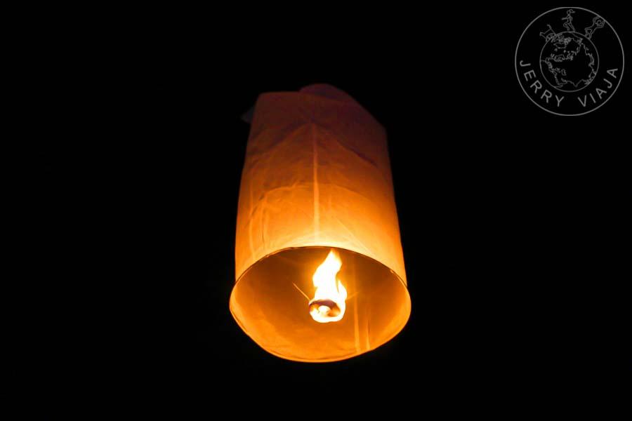 Khom Loi:  linternas de papel de arroz.