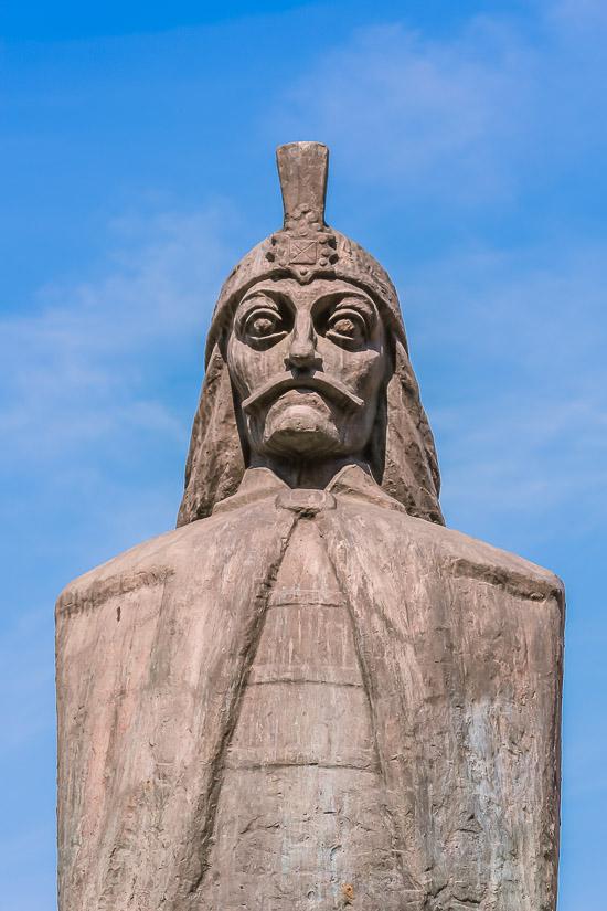 Busto de Vlad Draculea o Vlad III el Empalador en Bucarest, Rumania