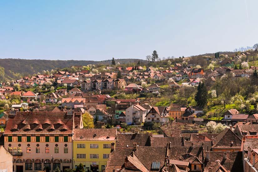 Guía: Qué ver en Sighisoara. Vista panorámica de la ciudad de Sighisoara, Rumania.