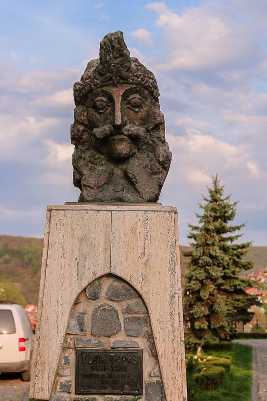 Busto de Vlad Draculea o Vlad III el Empalador en Sighisoara, Rumania