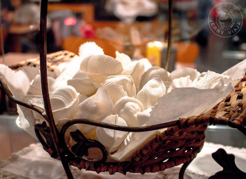 Ovos Moles, dulce típico de Aveiro.