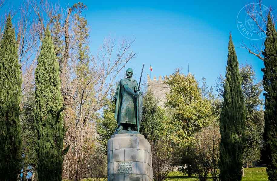 Monumento de Alfonso Henriques, primer rey de Portugal.