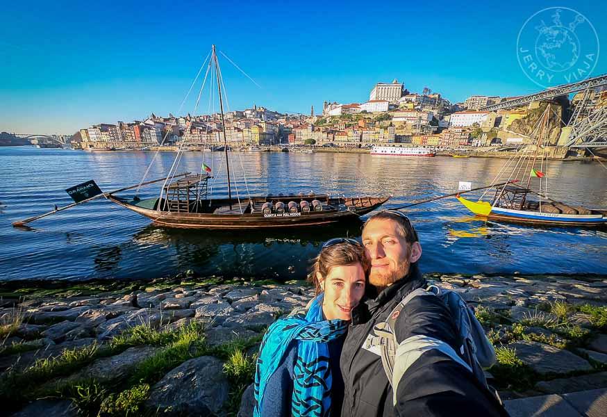 Antiguas barcas llamadas rabelos en el río Duero