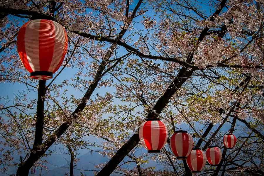 Farolas del Templo Shogakuin, Nagano, Japon