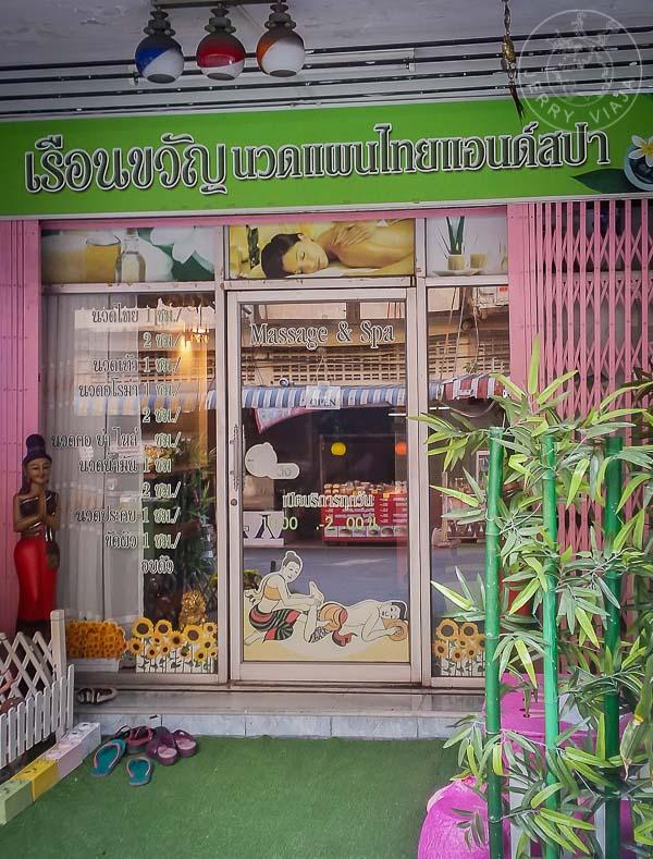 En una masajista de Tailandia.